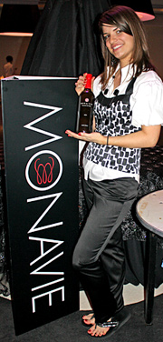 http://lastheplace.com/images/article-images//2009/03/monavie.jpg