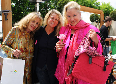 Sally Kirkland shows support for breast cancer research dressed in pink.