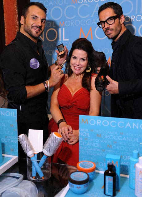 Jackie Guerra trying out some of the Moroccanoil products