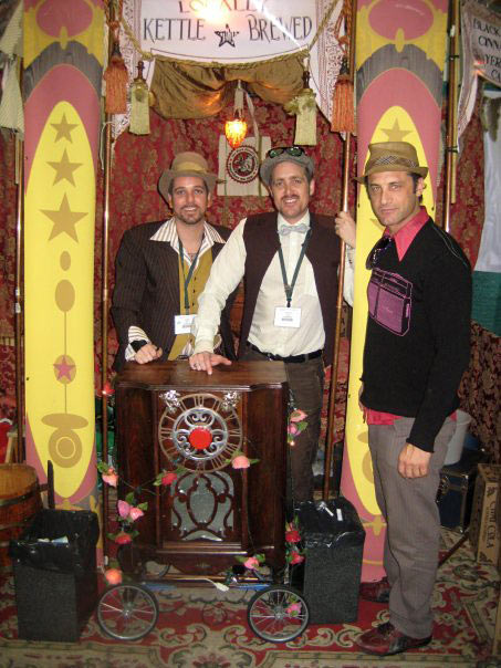 rtist/musician JD Shultz/Human Brother (rt), visits with the guys from Chai Cola.