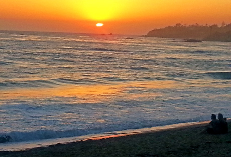 Sunset at Pacific Edge Hotel in Laguna Beach - photo by Jane Emery