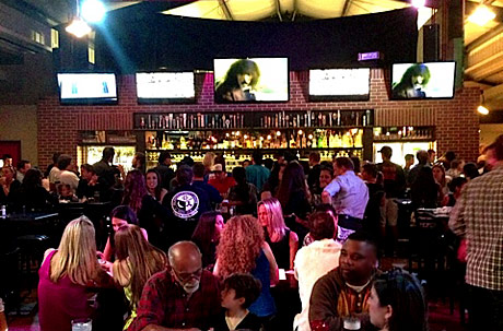 Rock & Brews Crowd