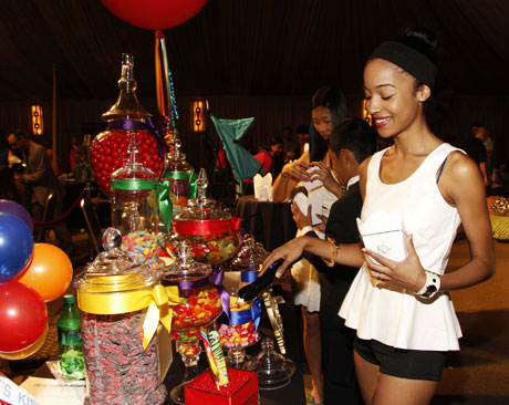 Emmys-KCees-candy-buffet