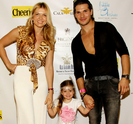 Dancing With The Stars husband and wife professional dancers Dancing With The Stars husband and wife professional dancers Gleb and Elena Savchencko & daughter.