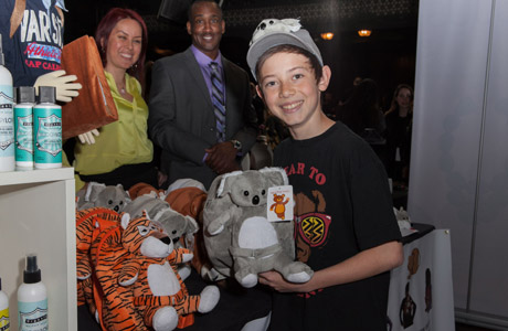 Actor Griffin Gluck with Tag Along Teddy - Photo: Albert Evangelista
