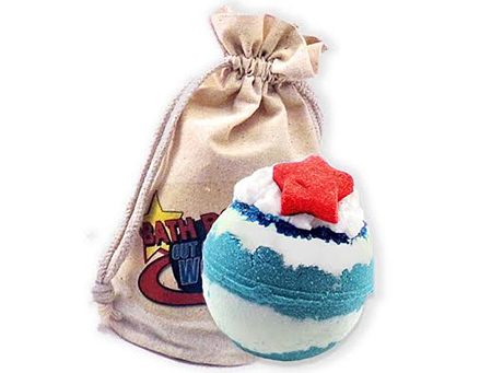 Moon's Harvest Bath & Body Shop gifted their Blue Moon Bath Bomb.