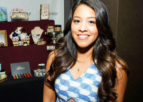 GOLDEN GLOBE WINNER - BEST ACTRESS, Gina Rodriguez of Jane The Virgin with Fizz Candy Jewelry.