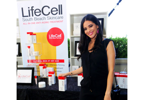 Sponsor Life Cell with actress Edy Ganem