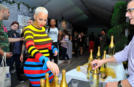 Amber Rose with 24K gold Wine