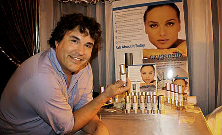 Creator Barry Knapp and his new product, Oxygenetix.