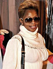 Mary J. Blidge at the Distinctive Assets gift lounge for The 2009