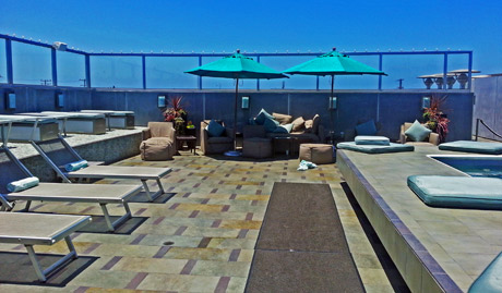 shade-hotel-rooftop-deck