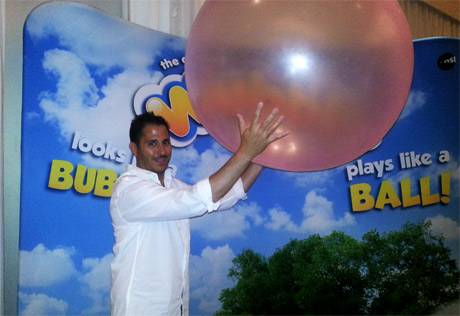 Wobble-Ball