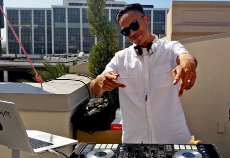 DJ Runaway at the WOW! Creations Oscar Gift Lounge
