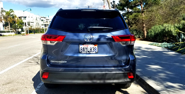 2018 Toyota Highlander LE Car Review