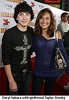 daryl Sabara with girlfriend Taylor Dooley